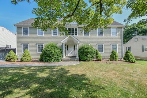 Photo of 27 Anthony Ln, Darien, CT 06820