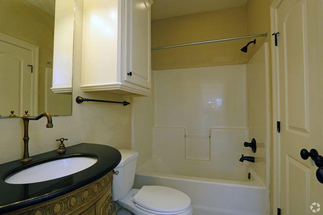 Bathroom Sinks Jackson Ms 130 mikell dr, jackson, ms 39212 - home for rent - realtor®