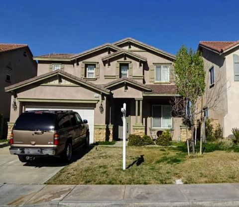 Photo of 2419 Delicious Ln, Palmdale, CA 93551