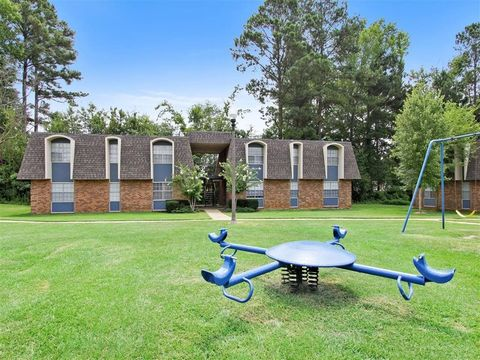 200 N Hills St, Meridian, MS 39305. Apartment For Rent
