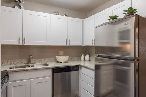 Ashwood Place Apartment Homes Naperville Il