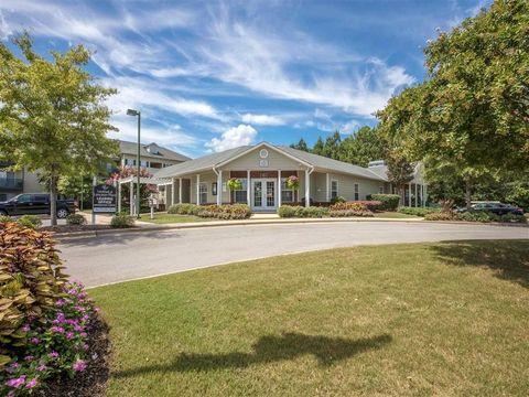 Photo of 10 Kensington Manor Dr, Calera, AL 35040