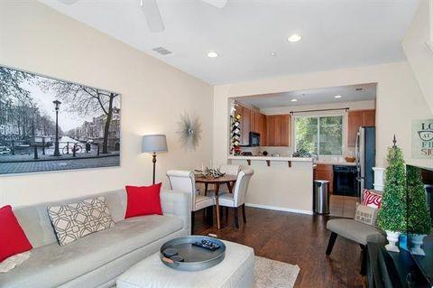 Superb San Diego Ca Condos Townhomes For Rent Realtor Com Home Interior And Landscaping Oversignezvosmurscom