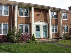 Photo of 15 Forest St E, Manchester, CT 06040