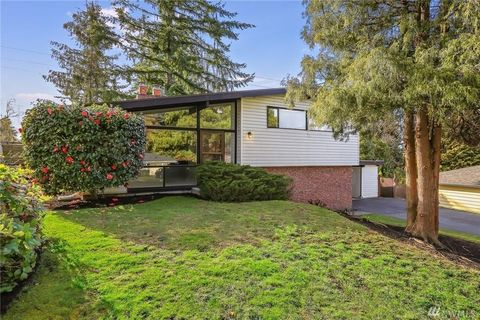 Photo of 3819 138th Ave Se, Bellevue, WA 98006