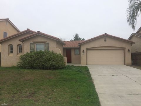 493 Lexington Pl, Hanford, CA 93230