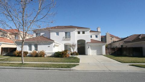 Photo of 4302 Mackin Woods Ln, San Jose, CA 95135