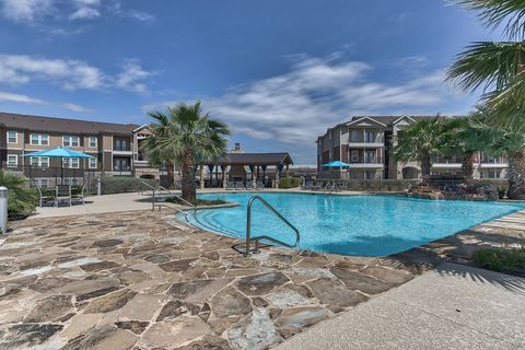 Photo of 7938 City Base Lndg, San Antonio, TX 78235