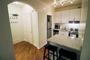 Apartments for Rent at 14 West Elm Apartments - 14 W Elm St ...