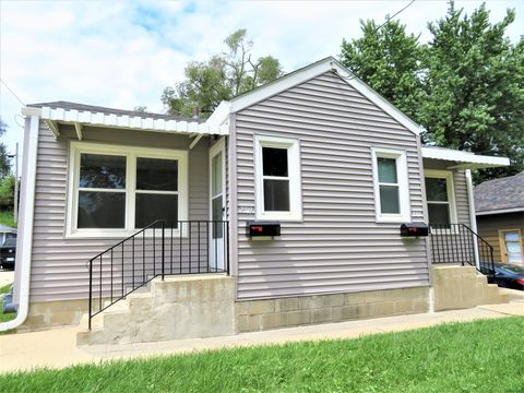 Photo of 2317 S Henry St, Sioux City, IA 51106