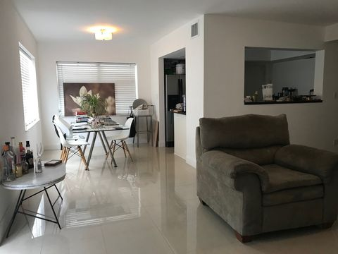 Photo of 1601 Bay Rd Apt 3, Miami Beach, FL 33139