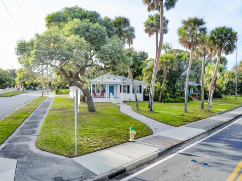 Photo of 205 N Indian River Dr, Cocoa, FL 32922