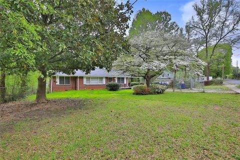 Photo of 1315 Bolton Rd Nw, Atlanta, GA 30331