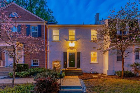 Photo of 3730 Manor Rd, Chevy Chase, MD 20815