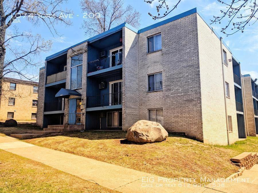Astonishing 1074 York Ave Apt 209 Saint Paul Mn 55106 Beutiful Home Inspiration Papxelindsey Bellcom