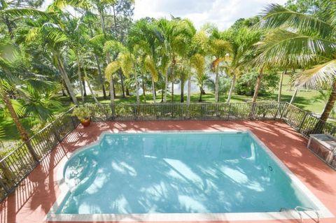 7075 Pioneer Lakes Cir, West Palm Beach, FL 33413