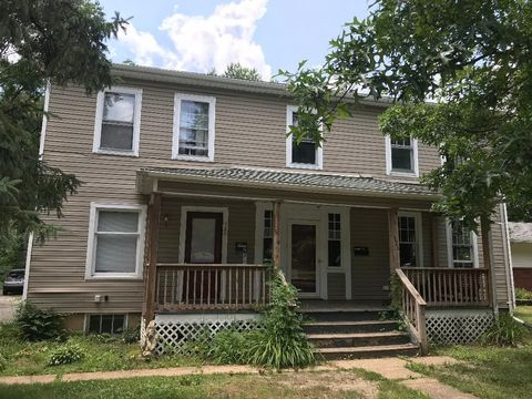 Photo of 526 Miller Ave, Kent, OH 44240