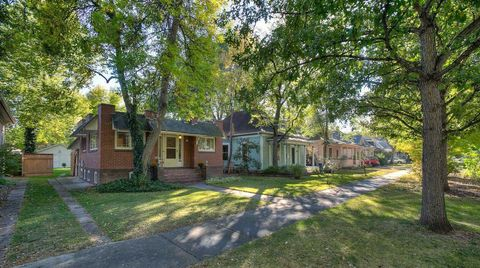 Photo of 913 1/2 W Mountain Ave, Fort Collins, CO 80521