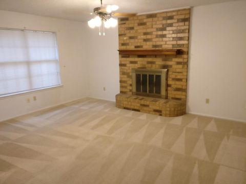 Photo of 5929 10th Dr, Lubbock, TX 79416