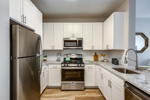 Photo of 9 Bay Dr, Canton, MA 02021