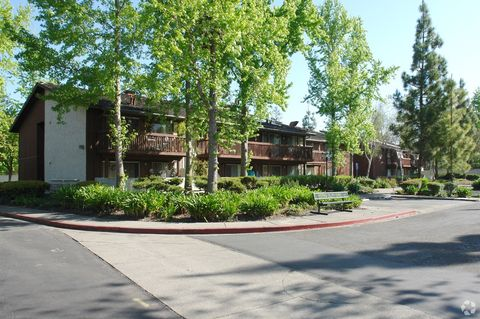 Photo of 6351 Country Club Dr, Rohnert Park, CA 94928