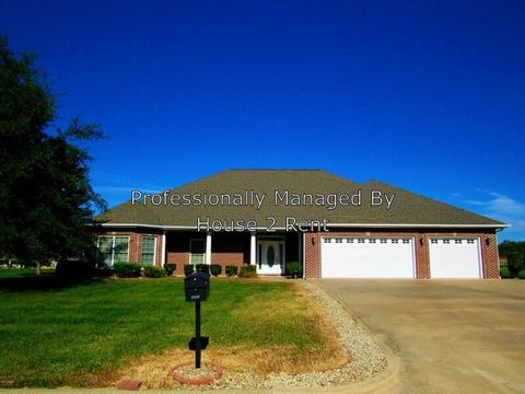 Photo of 2790 Kokopelli Dr, Marion, IL 62959