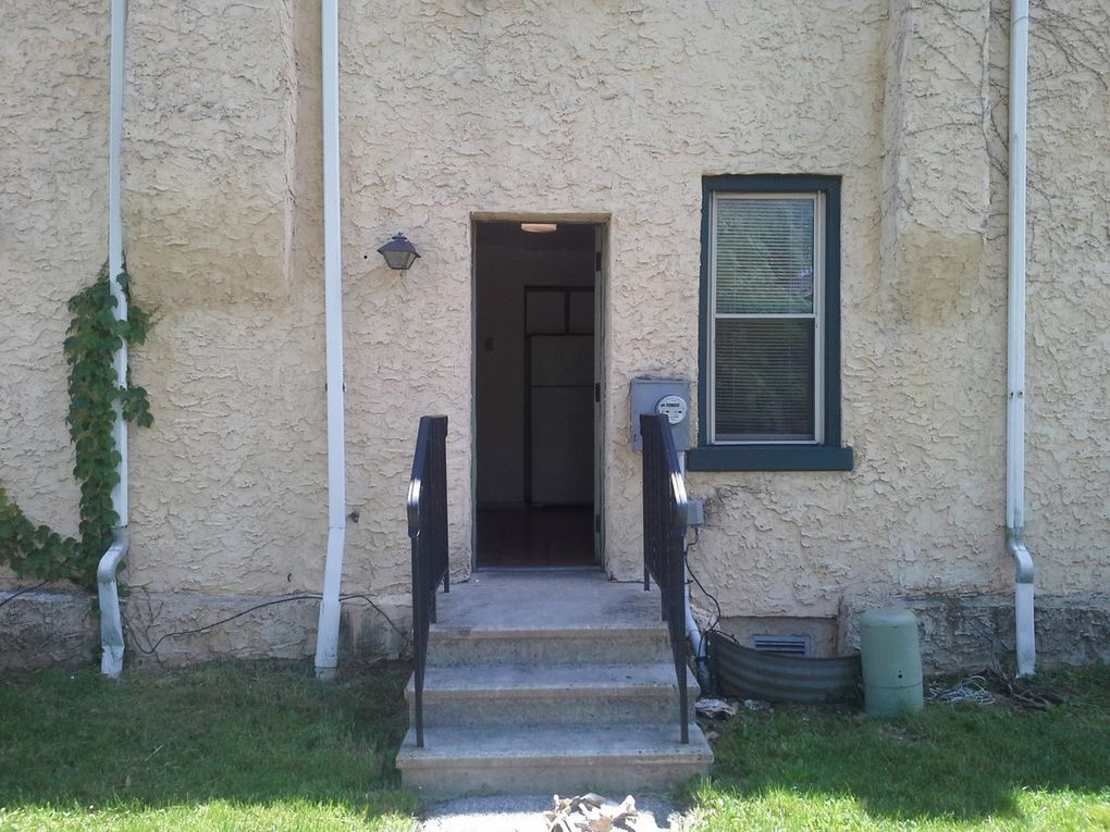 3300-3306 W 10th St, Chester, PA 19013 - realtor.com®