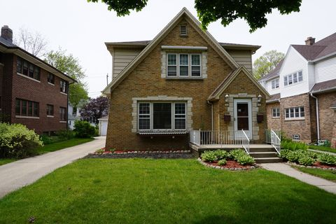 Photo of 541 N 63rd St, Wauwatosa, WI 53213