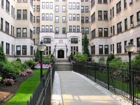 Photo of 5562 Hobart St, Pittsburgh, PA 15217