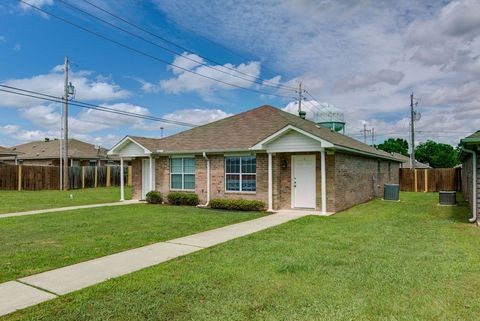 Photo of 103 S Lindsey St Unit 1, New Boston, TX 75570