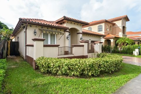 Photo of 15326 Sw 23rd St, Miami, FL 33185