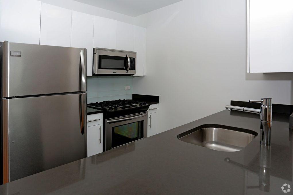 4545 Center Blvd Long Island City Ny 11109 Realtor Com 174
