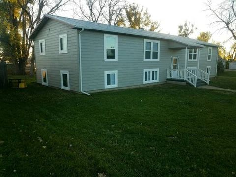 280 First Ave Nw # 4, Killdeer, ND 58640