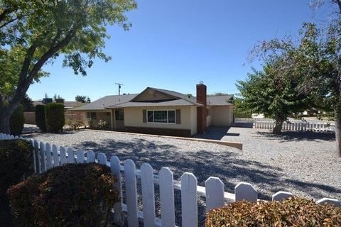 Photo of 12978 Douglas St, Yucaipa, CA 92399