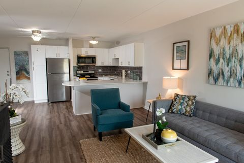 Lincoln Park Il Apartments For Rent Realtor Com