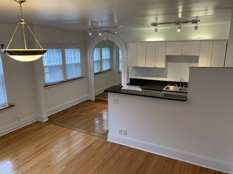 Photo Of 2546 Kenilworth Rd Cleveland Oh 44106 Apartment For Rent
