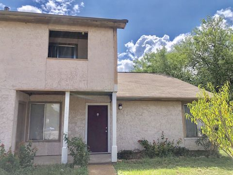 Photo of 3205 Cougar Trl Unit A, Bryan, TX 77807