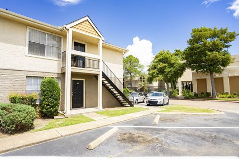 Photo of 1307 Wilcrest Dr, Houston, TX 77042