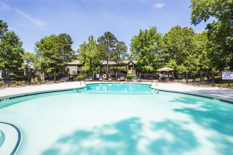 Photo of 1409 Roper Mountain Rd, Greenville, SC 29615