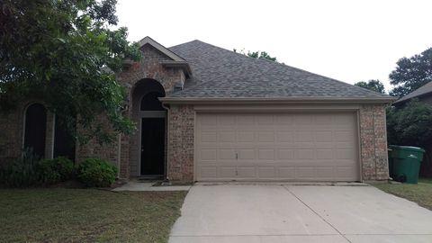 Photo of 764 Texas Oak Trl, Lake Dallas, TX 75065