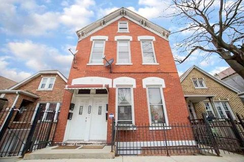 Photo of 2120 W 23rd Pl Apt 2 R, Chicago, IL 60608