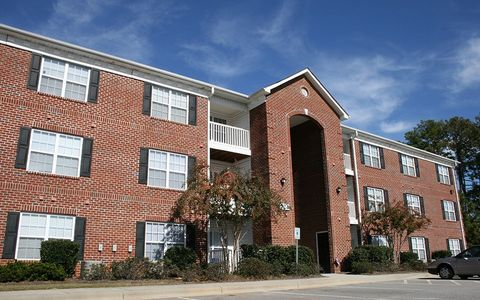 Photo of 812 Crescent Commons Way, Fayetteville, NC 28314