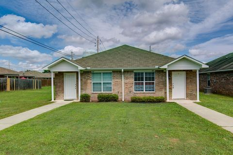 Photo of 114 S East St, New Boston, TX 75570