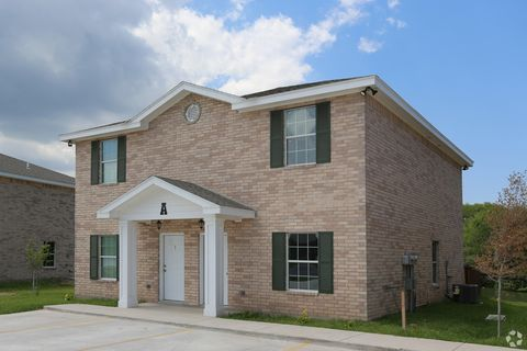 Photo of 115 Galonsky St, Brownsville, TX 78521