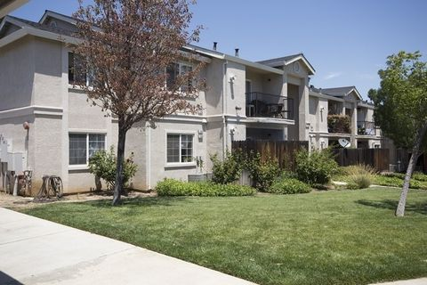 Photo of 30 Castlewood Dr, Pittsburg, CA 94565