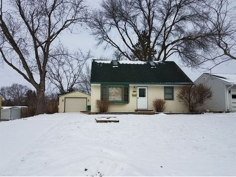 6718 34th Ave N, Crystal, MN 55427