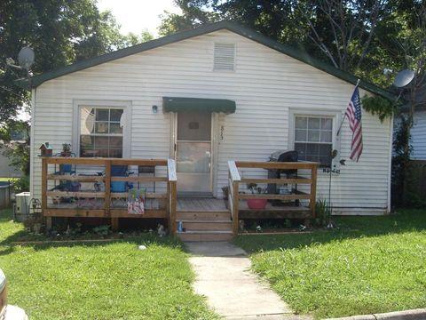 Photo of 813 Walnut St, Maryville, TN 37804