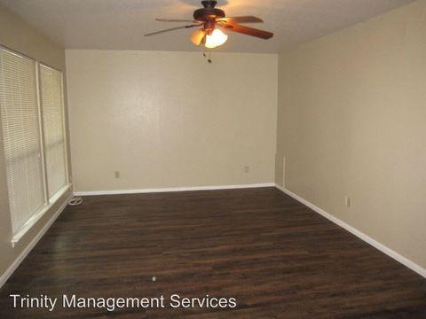 Photo of 202 E Oak St, Weatherford, TX 76086