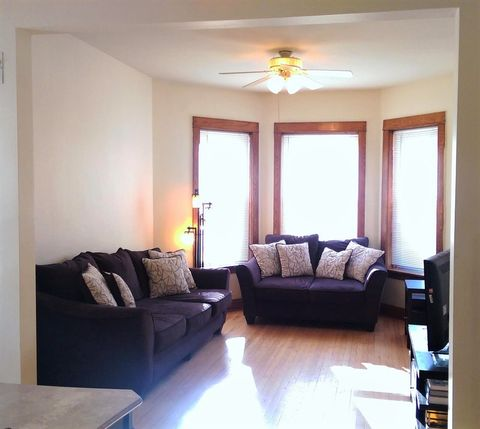 Photo of 4209 N Central Park Ave # 2, Chicago, IL 60618