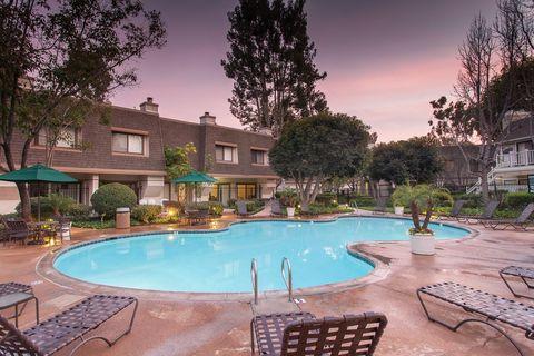 Photo Of 1142 Buckingham Dr Costa Mesa Ca 92626 Apartment For Rent
